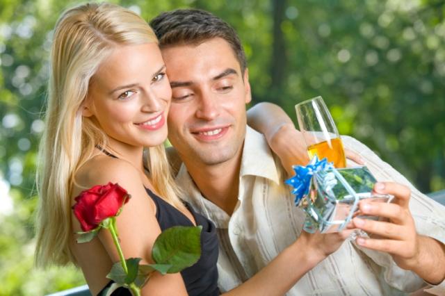 Polyamory ženatý a datovania Lindsey
