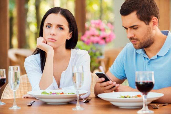 Čo robiť, keď váš manžel je on-line datovania